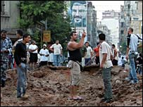 Lebanese inspect damage after air raid