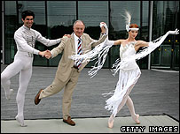 Dancers Nikolai Tsiskaridze (Bolshoi) and Yekaterina Kondaurova (Mariinsky) pose with London Mayor Ken Livingstone