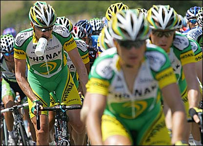 The Phonak team lead the peloton