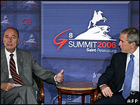 French President Jacques Chirac (left) and George W Bush at the G8 summit