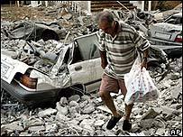 Escombros en Tiro, en el sur de El Líbano.