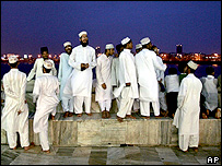 Muslims outside Mumbai's Haji Ali mosque