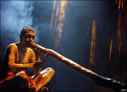 IMAGE(http://newsimg.bbc.co.uk/media/images/41896000/jpg/_41896136_afp_didgeridoo416.jpg)