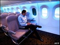 http://newsimg.bbc.co.uk/media/images/41897000/jpg/_41897186_boeing-interior-afp.jpg
