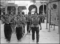 Durante la Guerra Civil, Espa�a estaba partida en dos, entre los nacionalista y los republicanos.