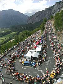 The stage will conclude with 21 hairpin bends up Alpe d'Huez
