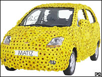 Chevrolet Matiz covered in flowers