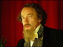 Simon Callow plays Charles Dickens in Dr Who