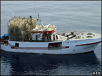Spanish trawler with migrants