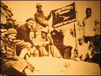 Foto de combatientes en la Guerra Civil española.