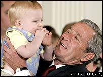 بوش في البيت الابيض بعد التصويت على القانون
