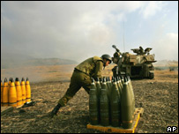 المدفعية الثقيلة الاسرائيلية توجه صواريخها من مستوطنة كريات شمونة نحو منطقة جنوب لبنان
