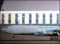 Avión de la Fuerza Aérea Brasileña con refugiados de Líbano.