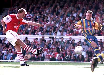 Dennis Bergkamp scores against Southampton