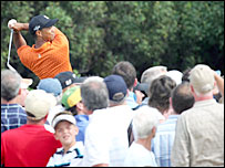 Crowds flock to see Tiger Woods in action