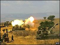 Tanques disparando cerca a la frontera con Líbano