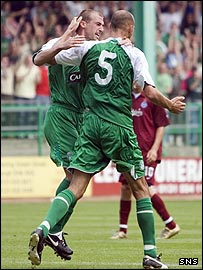 Paul Dalglish congratulates Rob Jones on his first Hibs goal