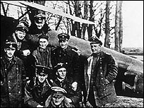 The Red Baron with fellow soldiers