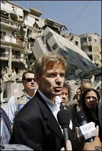 Jan Egeland, coordinador de ayuda en emergencias de la ONU recorre Beirut
