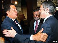 Hugo Chávez con el primer ministro de Portugal, José Sócrates Carvalho en Lisboa