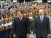 Hugo Chávez y Alexander Lukashenko  en Minsk.