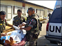 Unifil soldiers in Lebanon tend wounded civilian