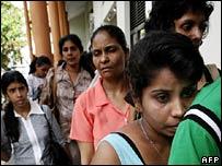 Sri Lankan evacuees arrive in Colombo