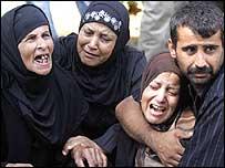 Familia libanesa en funeral