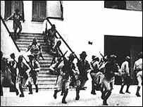 Soldados en el cuartel Moncada