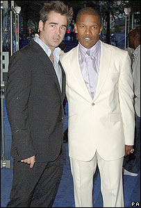 Colin Farrell (l) and Jamie Foxx at the premiere