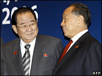 North Korean Foreign Minister Paek Nam-sun (left) with Chinese Foreign Minister Li Zhaoxing