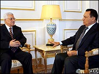 Meeting between Palestinian leader Mahmoud Abbas (l) and President Mubarak of Egypt