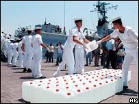 سفينة مساعدات تركية في مرفأ بيروت