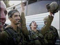 جيوش إسرائيليون بعد الانسحاب من لبنان اليوم