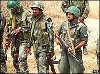Sri Lankan soldiers near Trincomalee.