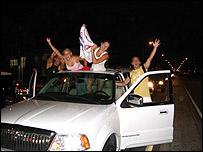 Manifestantes en Calle Ocho de Miami