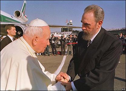 El papa Juan Pablo II con Fidel Castro.