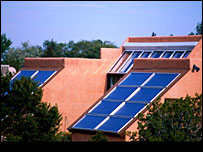 Home with solar panels (copyright: eyewire)