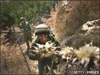 جنود إسرائيليون يعبرون الحدود اللبنانية