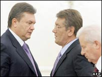 Viktor Yanukovych (left) and Viktor Yushchenko (centre). File photo