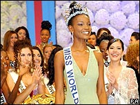 Agbani Darego of Nigeria smiles after being named Miss World 2001