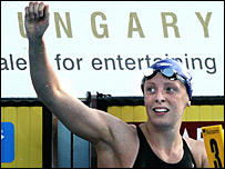 Kirsty Balfour celebrates gold in the women's 200m breaststroke in Budapest