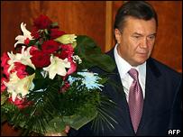 Виктор Янукович после вступления в должность премьер-министра