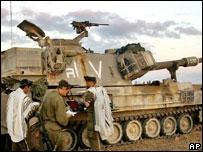 Израильские солдаты молятся
