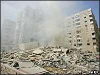 Un lugar destruido en Beirut tras un bombardeo israelí