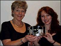 Margaret Rowlands a Mari Thomas