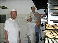 "Bakers at the ""Braune"" bakery"