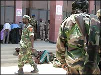 Soldiers in N'Djamena during the uprising