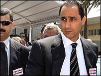 جمال مبارك لحظة وصوله لمطار بيروت