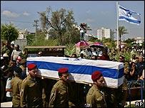 Funeral de un soldado israelí en la ciudad de Lod.